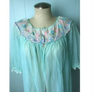 Vtg Berkliff Embroidered Nylon Lace Peignoir M